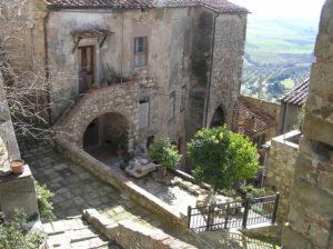 scorcio-caratteristico-montemassi-roccastrada-grosseto_-author-and-copyright-marco-ramerini
