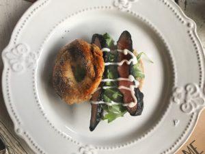bagel salmone e rughetta