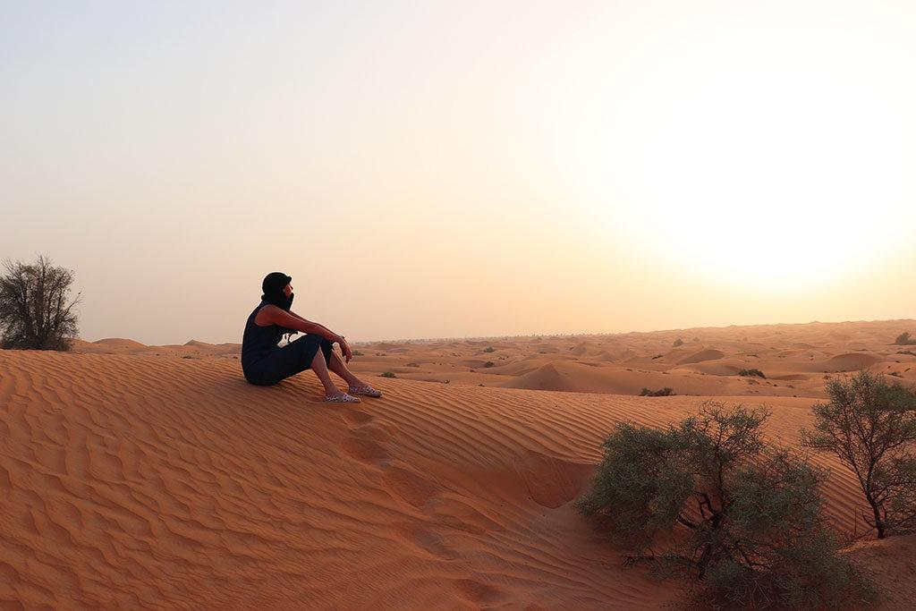 foto di Le Chef Clochard su una duna al tramonto