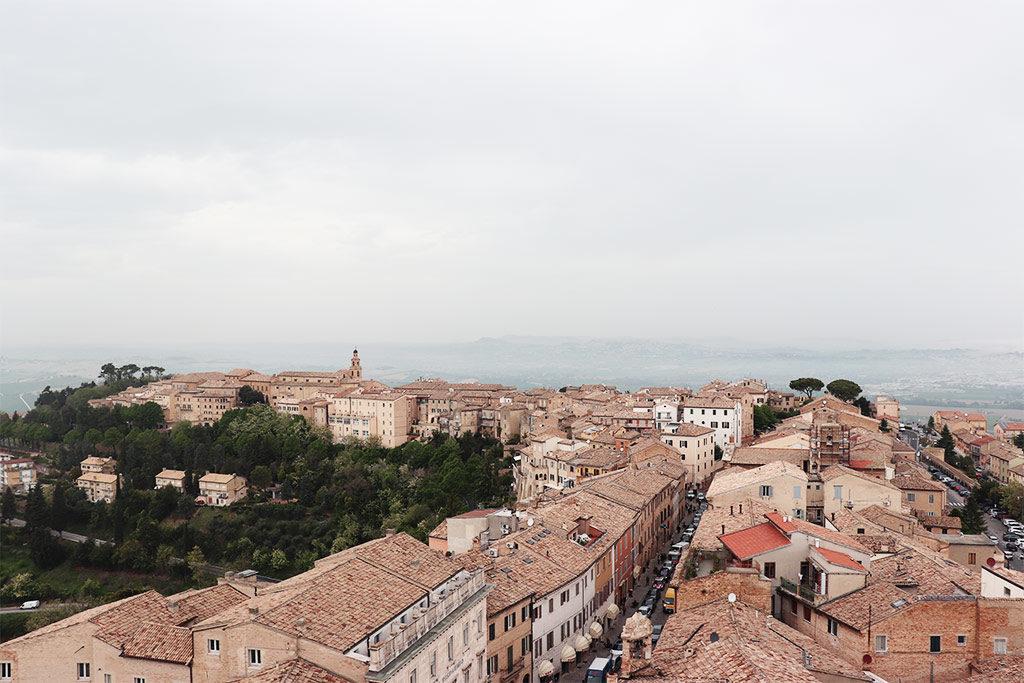 foto di Recanati vista dalla terrazza della torre municipale