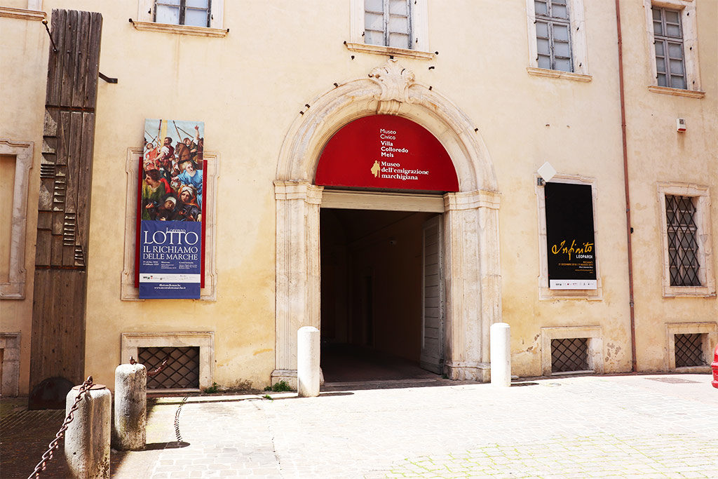 foto dell'ingresso del Museo Civico Villa Colloredo Mels