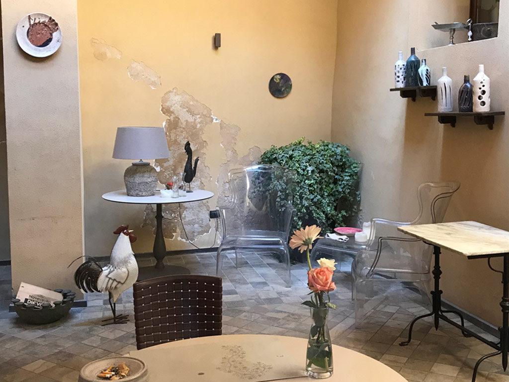 foto dell'interno dell'osteria Ninetta a San Severino Marche