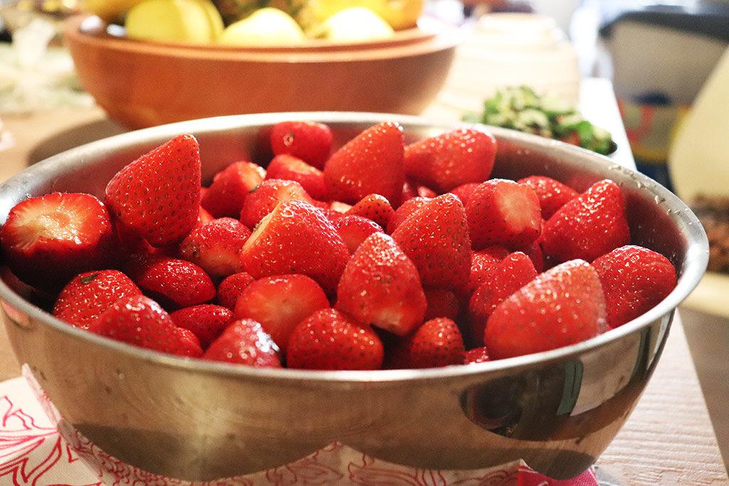 foto della ciotola con le fragole