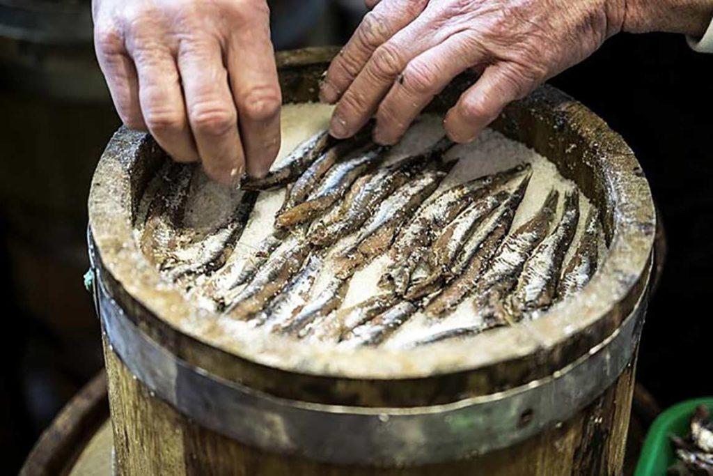 foto della botte dove viene prodotta la colatura di alici