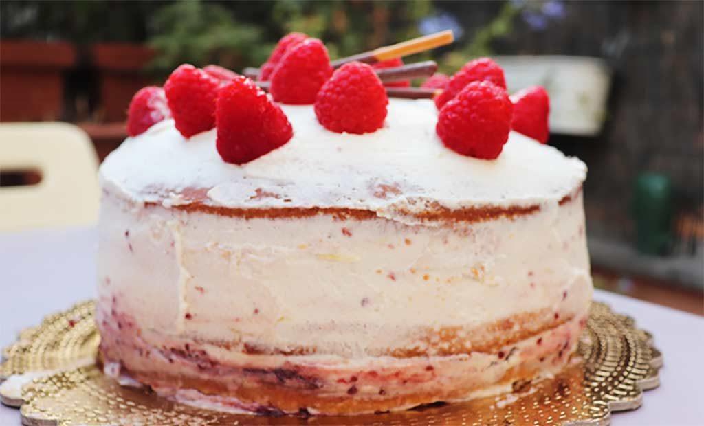 foto del profilo della layer cake al mascarpone e lamponi