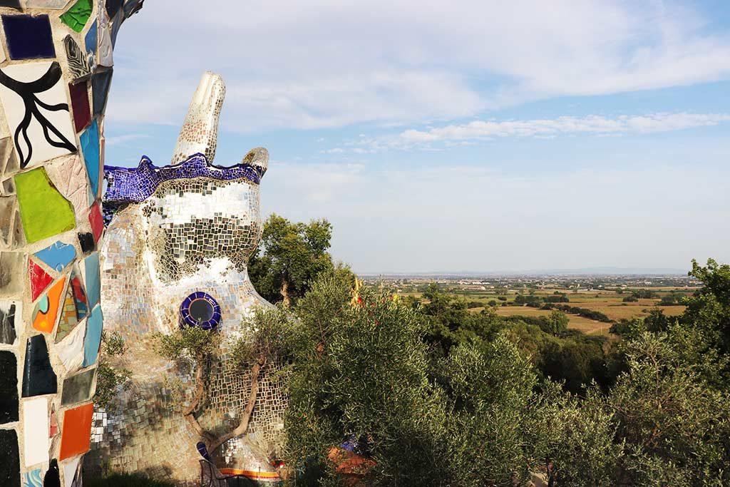 foto della campagna di Capalbio dal giardino dei tarocchi