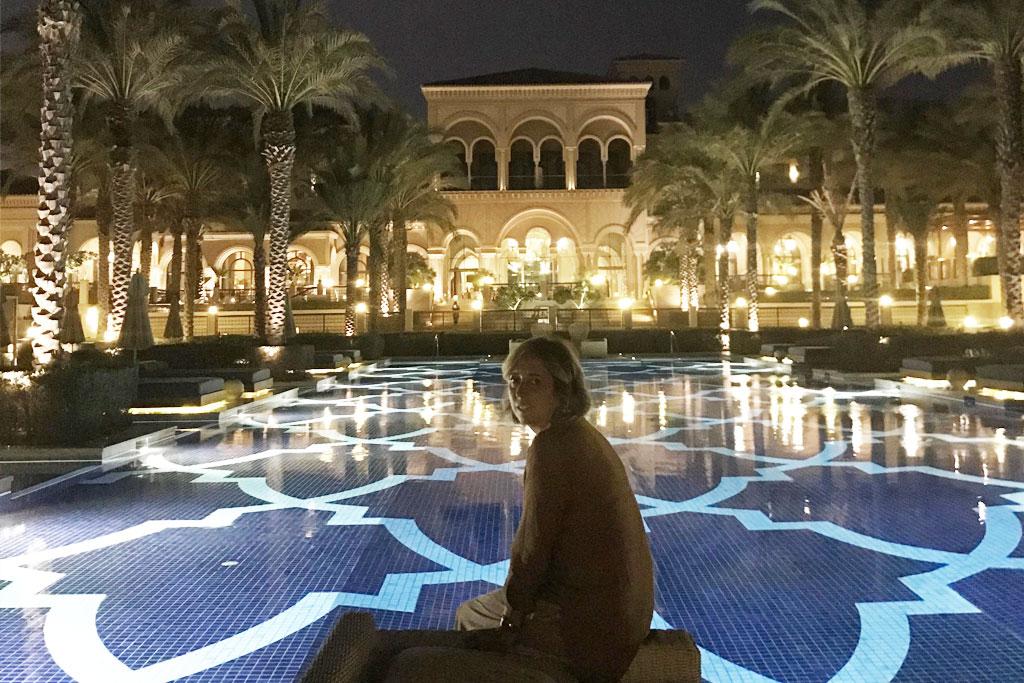 One&Only - piscina con mosaico a tema arabo dell'Hotel