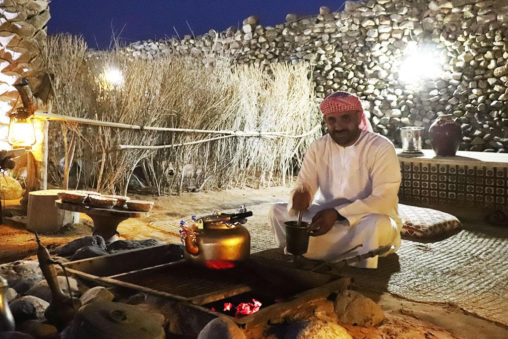 cena nell'accampamento del deserto